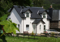 Earnside Cottage - Self catering riverside holiday cottage in Comrie (by Crieff), Perthshire, Scotland